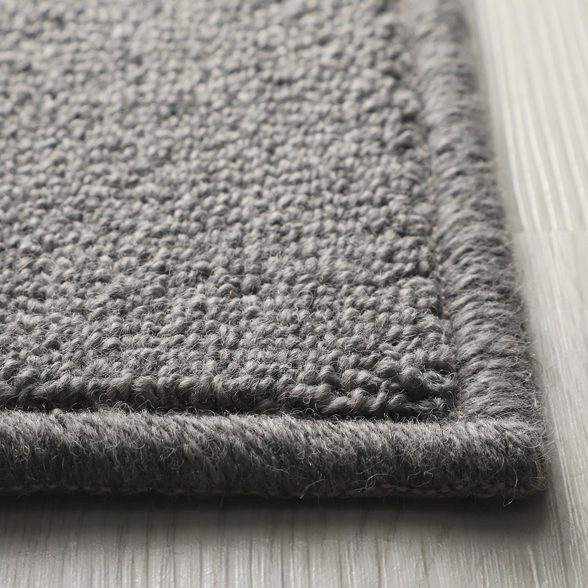 夏は涼しく冬暖かく。床暖&ホットカーペット対応です。
