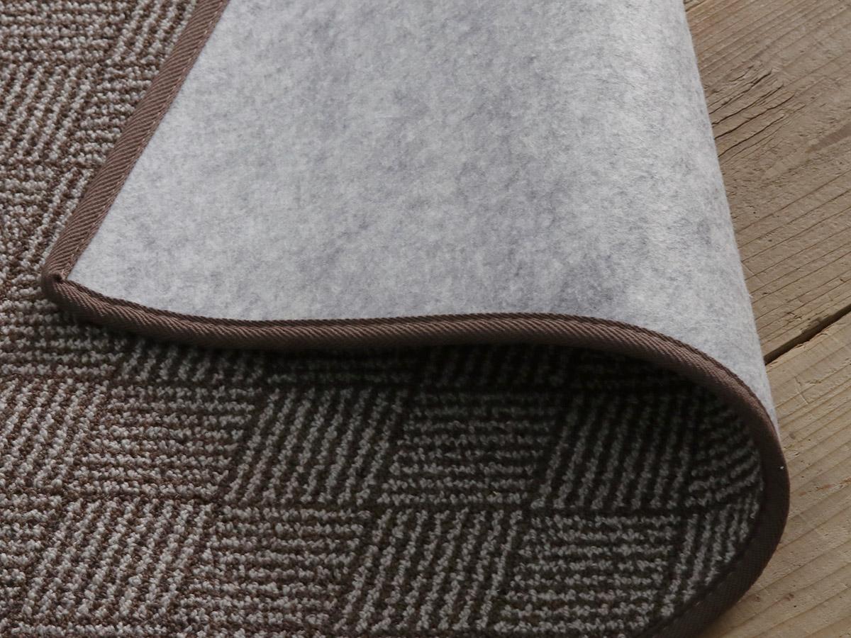 裏面不織布は防音タイプ。床暖房・ホットカーペット対応。