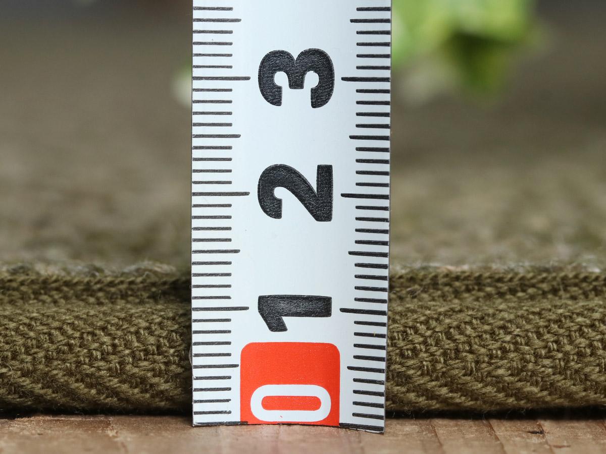 ウールならではの弾力と厚みのある不織布で感触の良い踏み心地