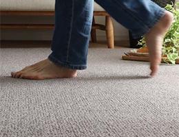 マンションやアパートなどの集合住宅での防音、遮音性能が高いカーペット