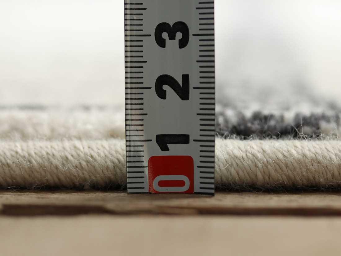 全厚約11mmです。