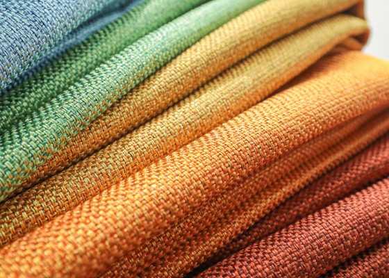 トレンドのくすみカラーから定番のカラーまで豊富な20色展開