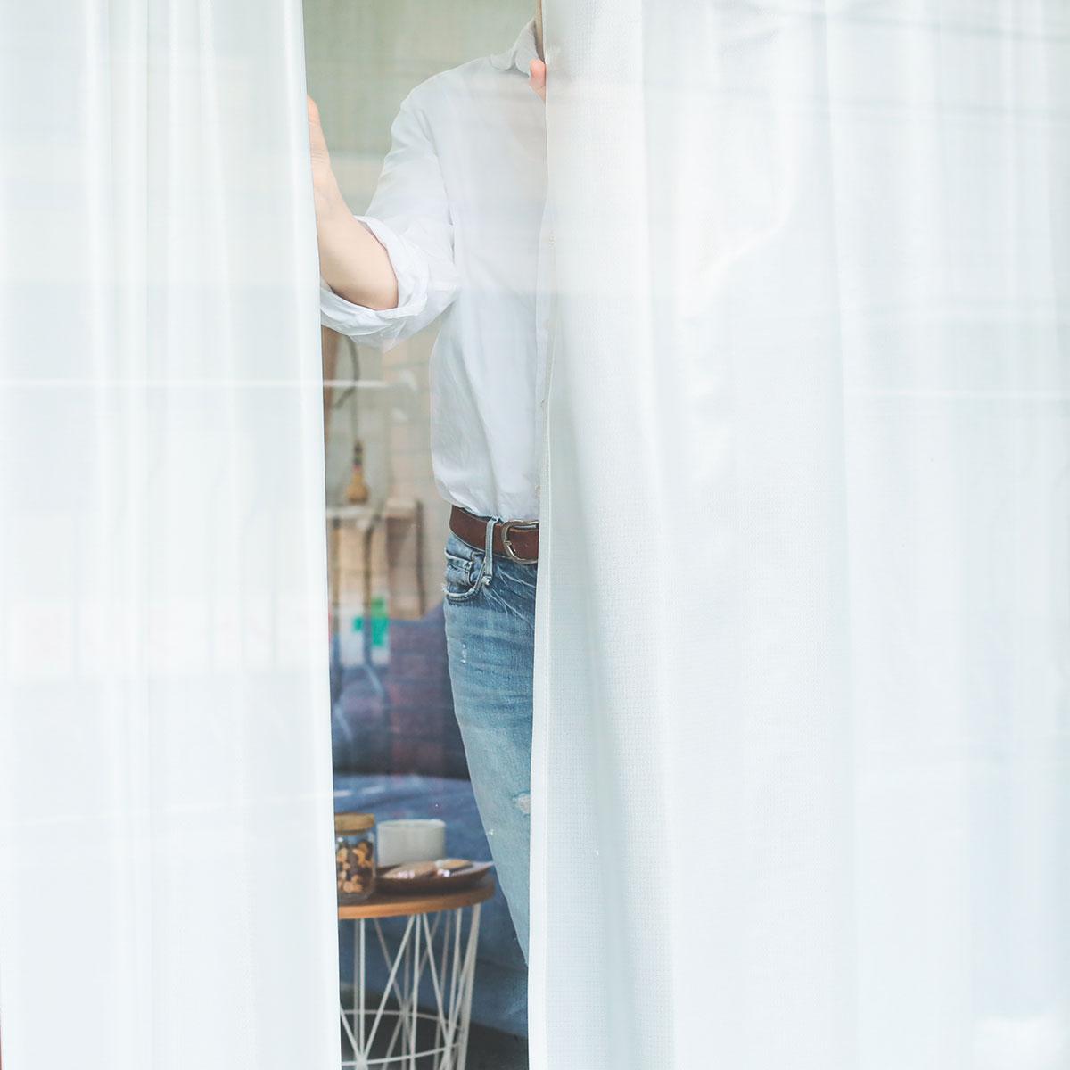 昼間、外から部屋の中を見たようす2