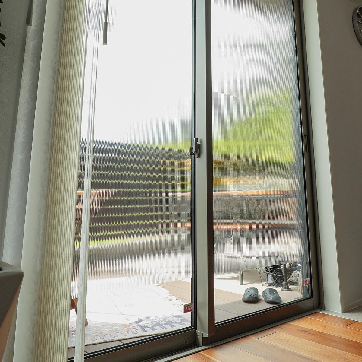窓ガラスフィルム 飛散防止タイプ ストライプ