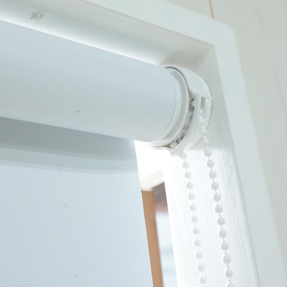 つっぱりロールスクリーン 1級遮光+はっ水タイプ
