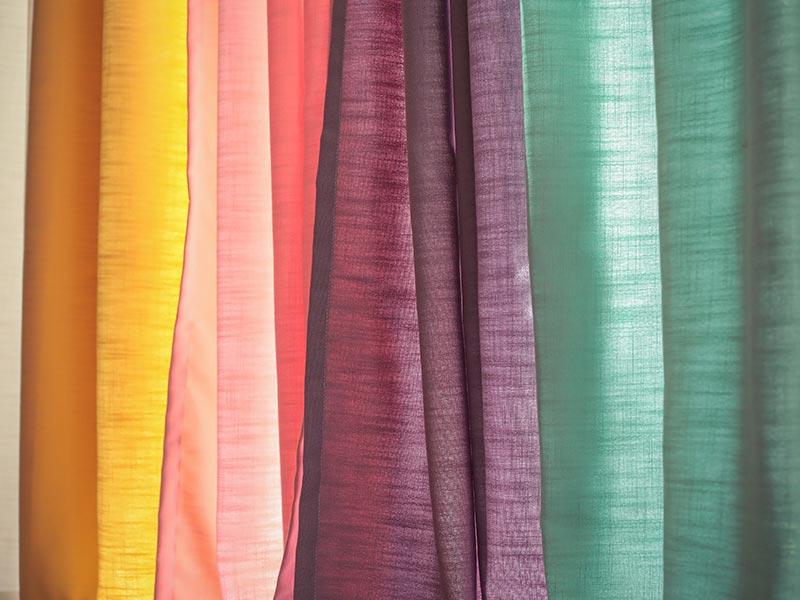 色から選ぶカーテン
