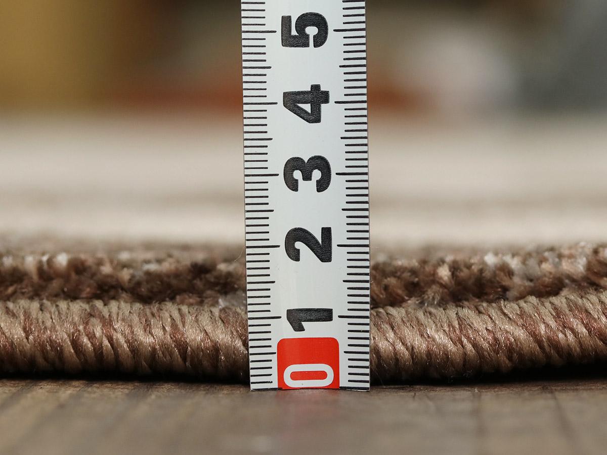 全厚約14mm。程よい厚さです。