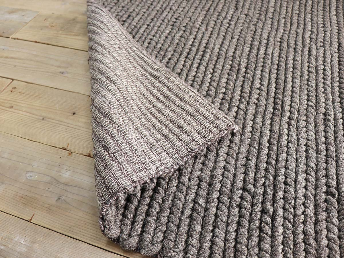 床暖房対応でオールシーズン使えます。