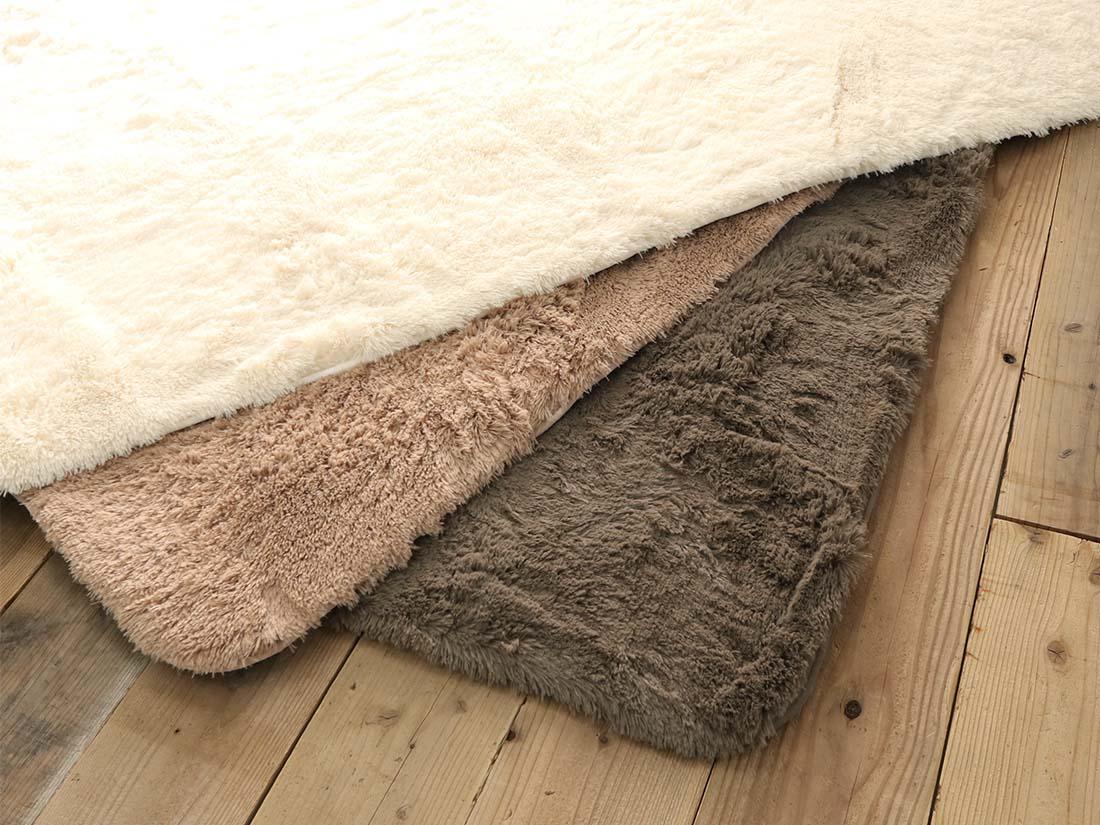 綿100%の表生地には撥水加工が施されています。