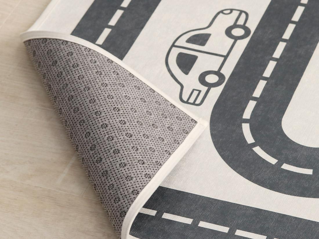 ホットカーペット・床暖房対応でオールシーズン使えます。<br>安心の滑り止め加工。