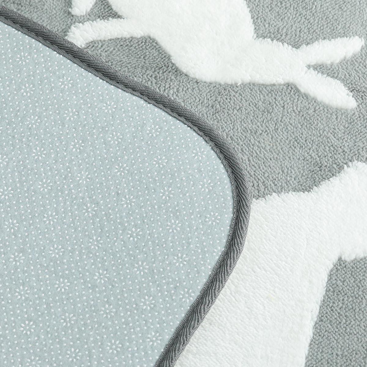 角は緩やかなカーブを描いて優しい雰囲気に。