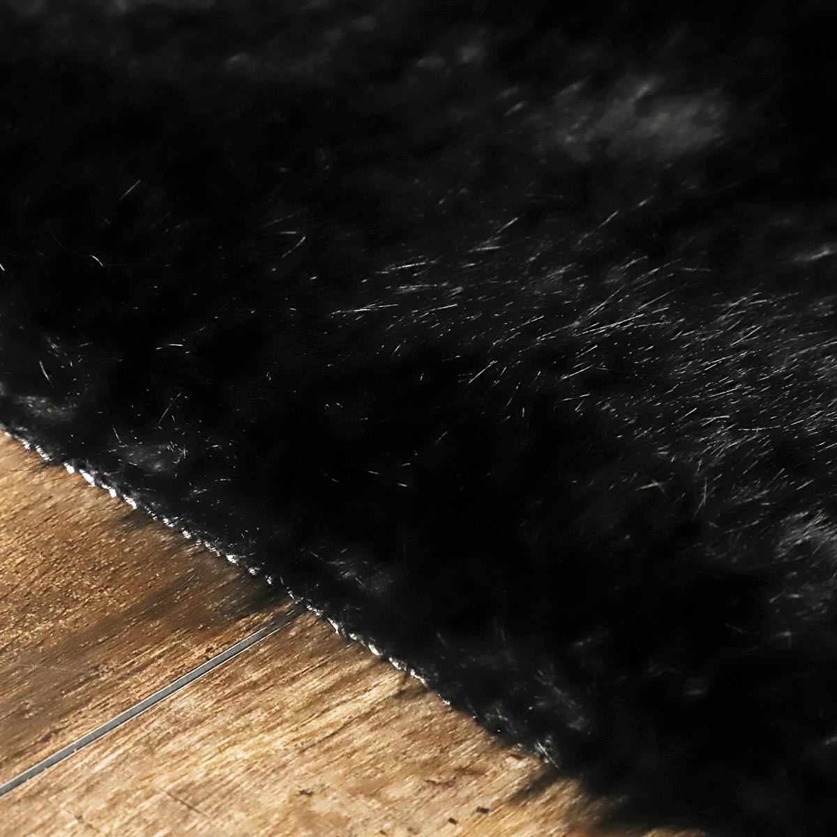端まで包み込む毛並み。