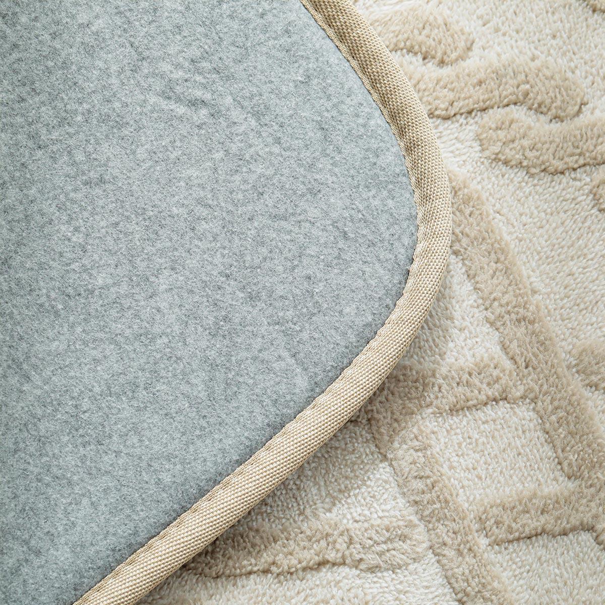 ホットカーペット&床暖対応。オールシーズンお使いいただけます。