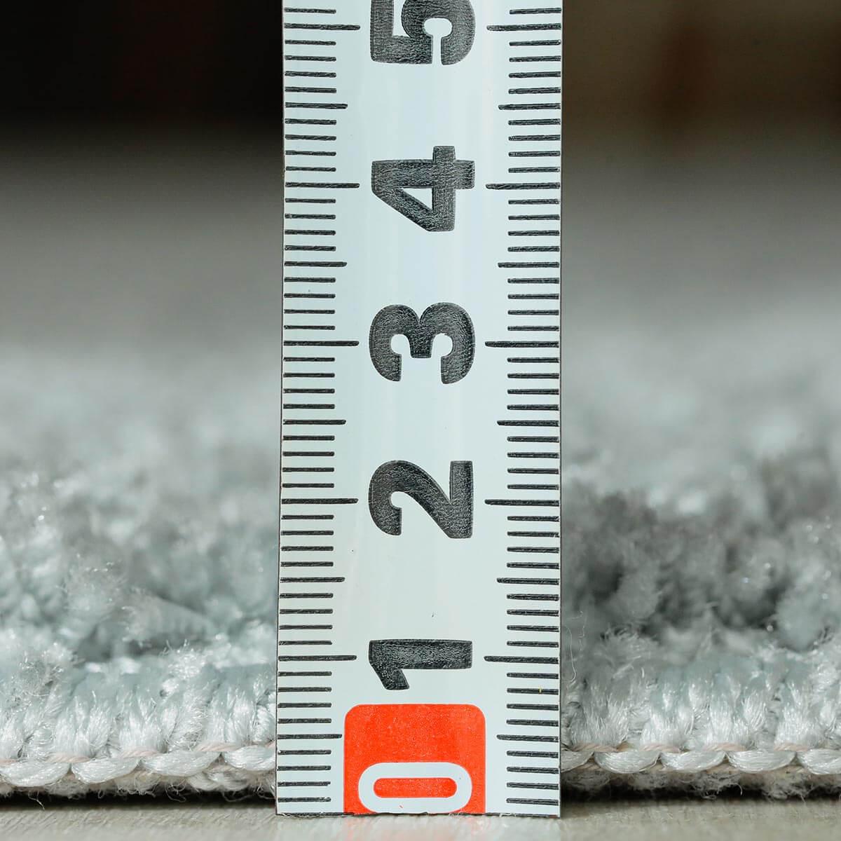 パイルの長さは約1.5cmです。