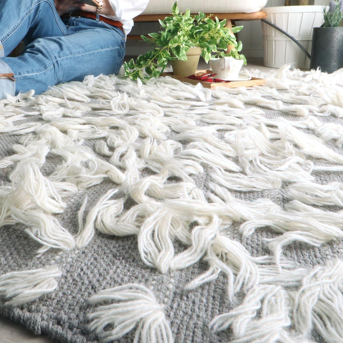 オールシーズン対応!上質の綿とウールなどを使用した個性派デザインラグ『クレル グレー』
