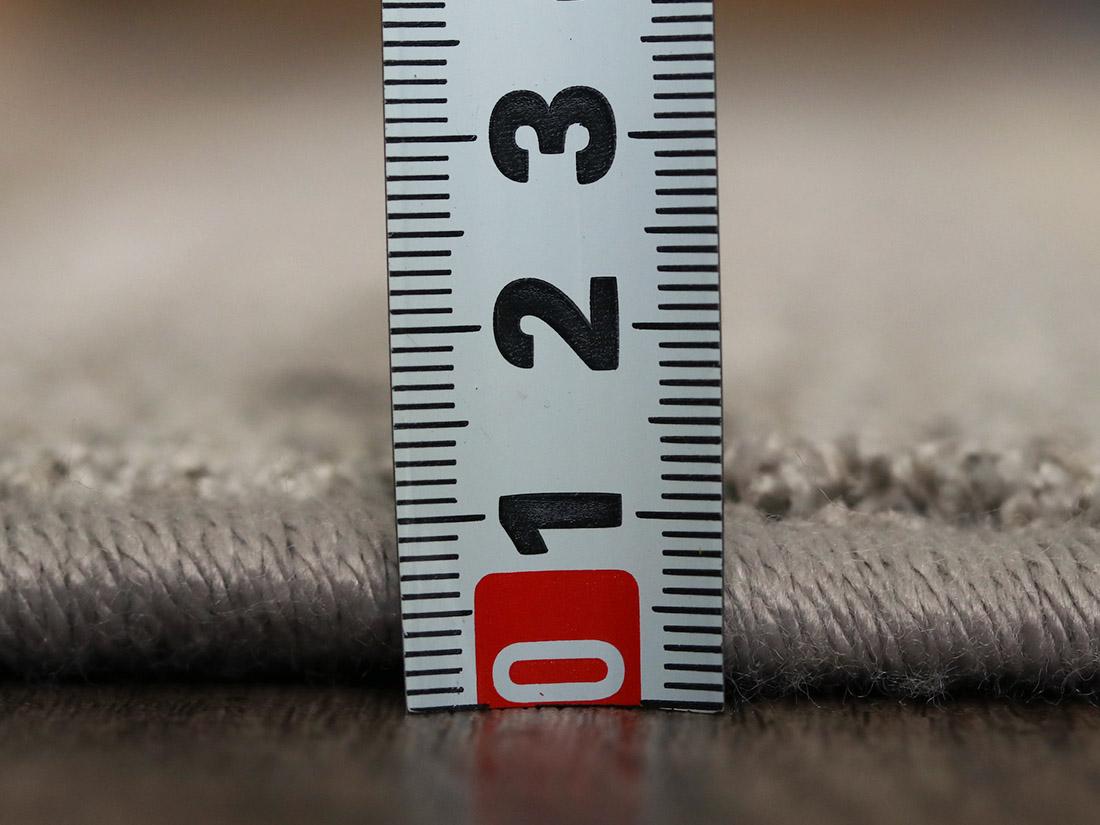 全厚約11mmで程よい厚み。