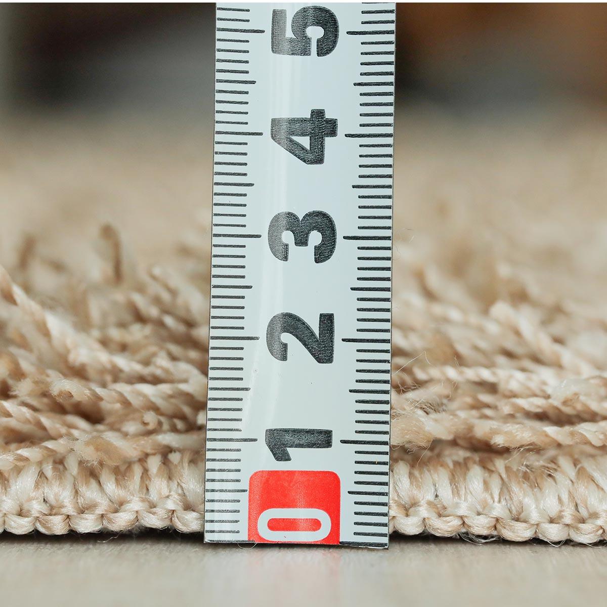 毛足は約40mmのロングパイルです。