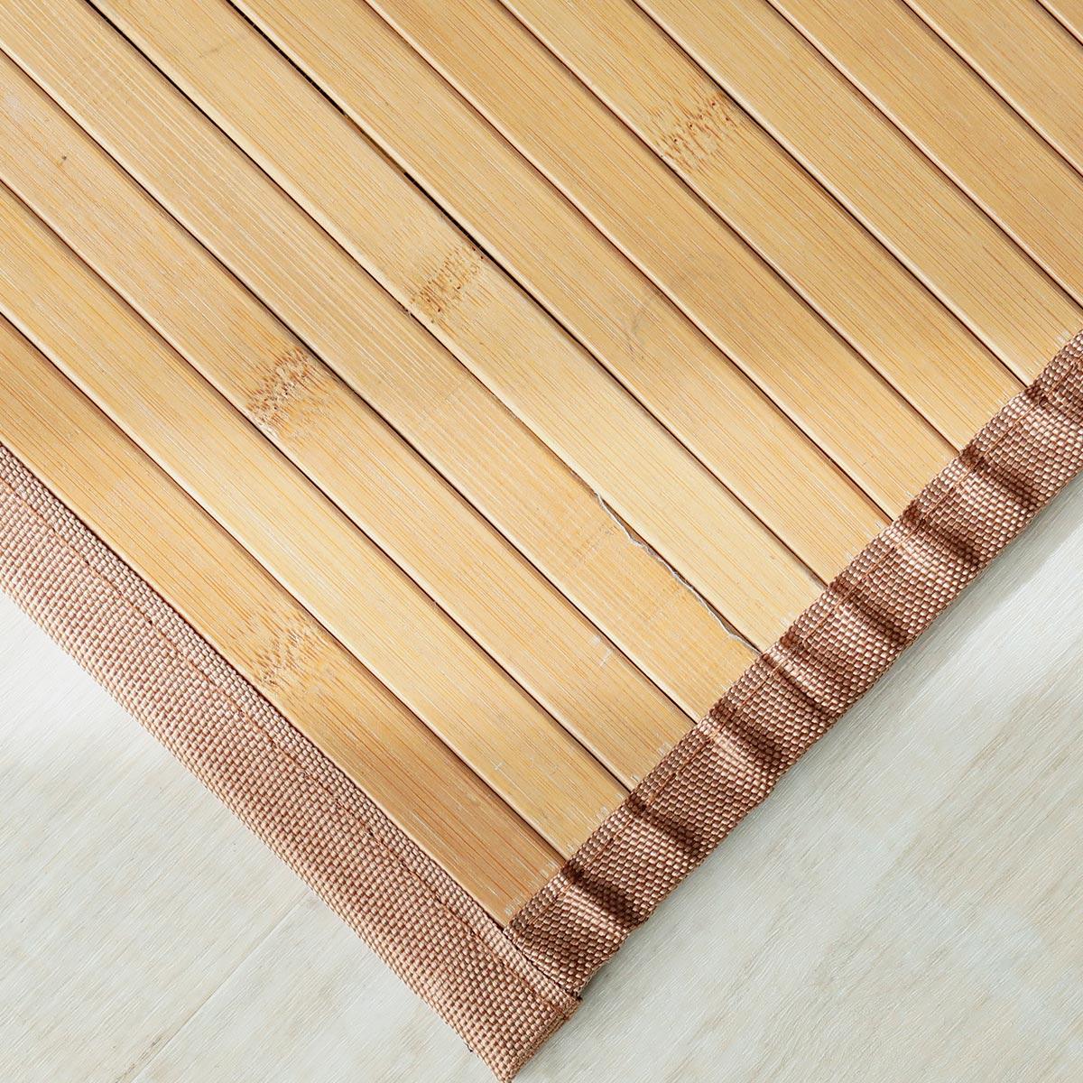 ポリエステルのテープを四方縫い付けています。